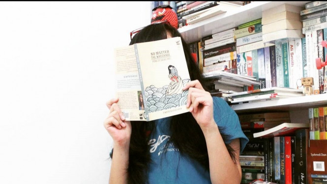 Bookstagram.