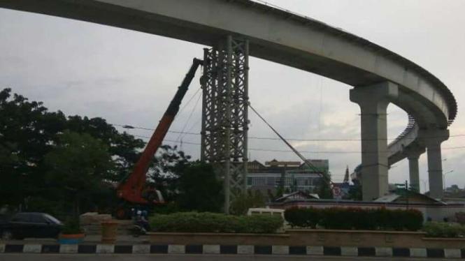 Steel Box Girder LRT Palembang Produksi PT Bakrie Metal Industries.
