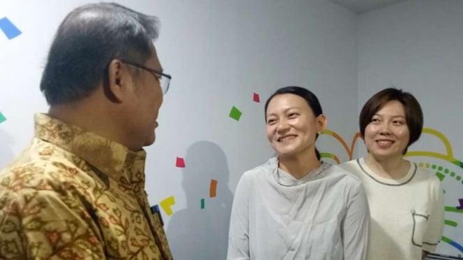 Menkominfo Rudiantara berbincang dengan SVP Bytedance Technology, Zhen Liu, dan SVP Tik Tok, Kelly Zhang, di Gedung Kominfo, Jakarta, Rabu, 4 Juli 2018.