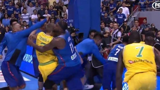 Perkelahian antara timnas basket Filipina dan Australia.