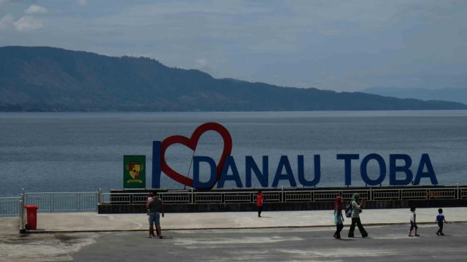 Sorot Kapal - Kawasan Wisata Danau Toba