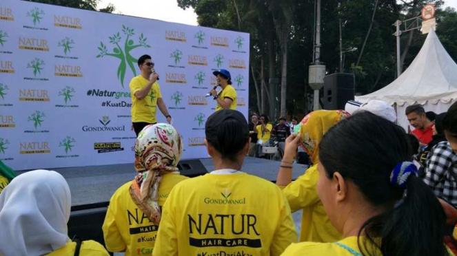 Natur Green Action bersama produk Natur Hair care di Car Free Day