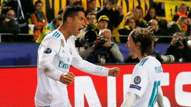 Dua bintang Real Madrid, Cristiano Ronaldo (kiri) dan Luka Modric (kanan)