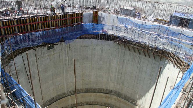 Ilustrasi pembangunan PLTA.