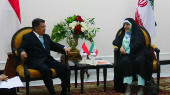 Wapres Jusuf Kalla dan Wapres Iran Ebtekar.