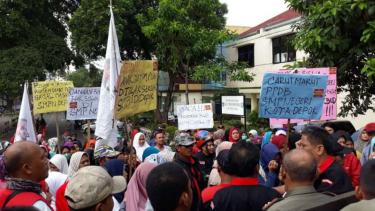 Massa protes PPDB di Kota Depok, Rabu, 11 Juli 2018.