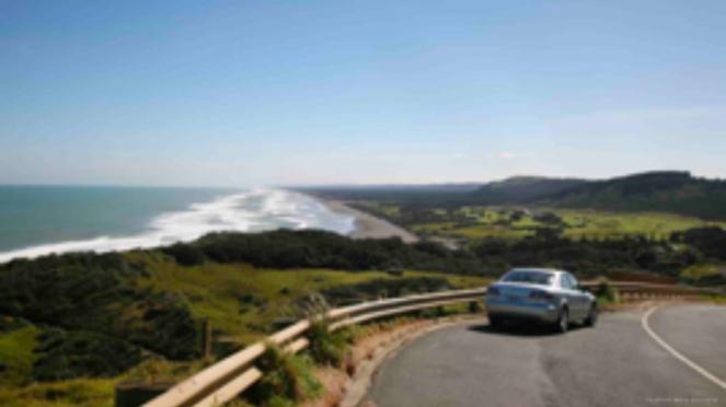 Berkendara di Selandia Baru.