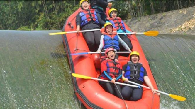 Ketahui 5 Hal Berikut Sebelum Olahraga Rafting