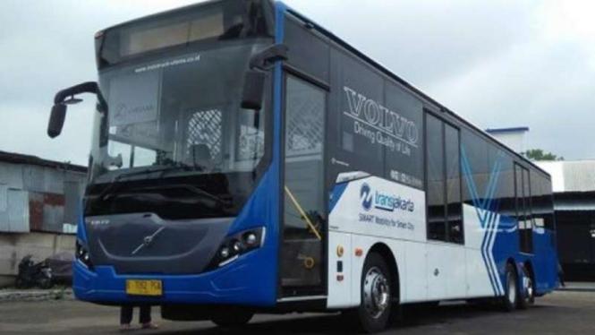Bus TransJakarta Volvo.
