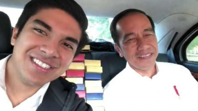 Menpora Malaysia  Syed Saddiq dan Presiden Jokowi