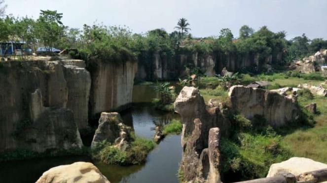 Tebing Koja Kandang Gozila di Tangerang
