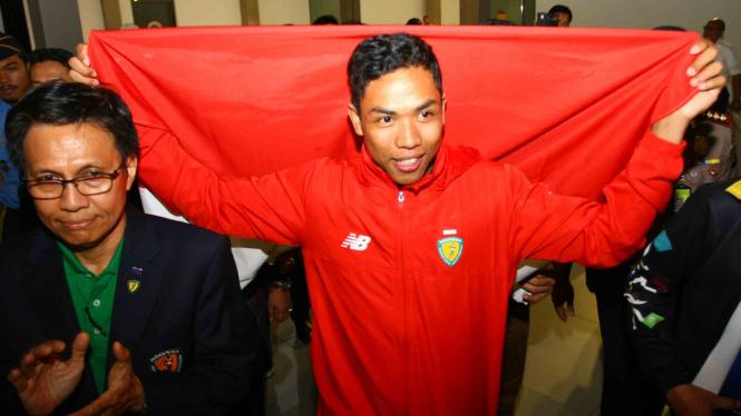 Pelari Indonesia, Lalu Muhammad Zohri (kanan)