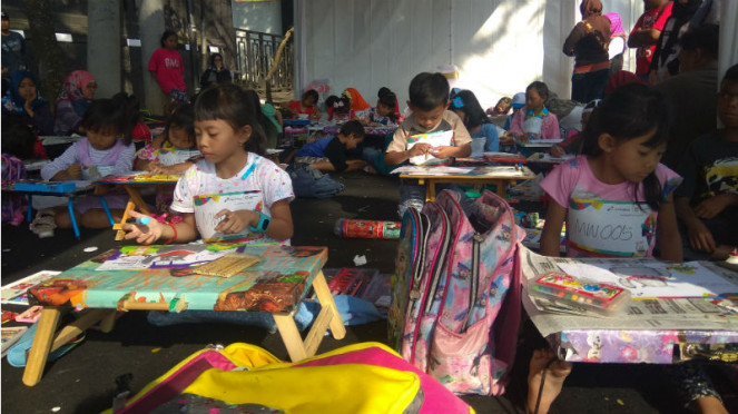 Para pelajar Malang semarakkan kirab obor Asian Games 2018