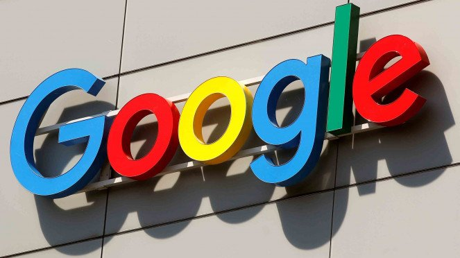 Logo Google tampak di Zurich, Swiss.