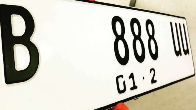 Purwarupa pelat nomor kendaraan model baru
