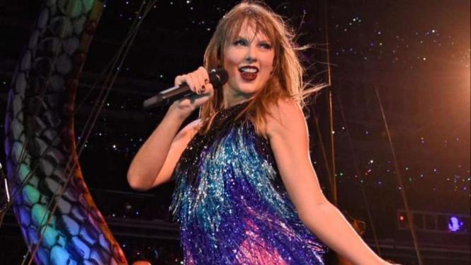 Taylor Swift konser di MetLife Stadium, Amerika Serikat.