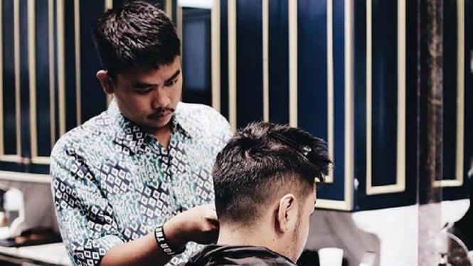 Jelajah 20 Kota Demi Mencari Akar Barbershop di Indonesia – VIVA cc946d0acc
