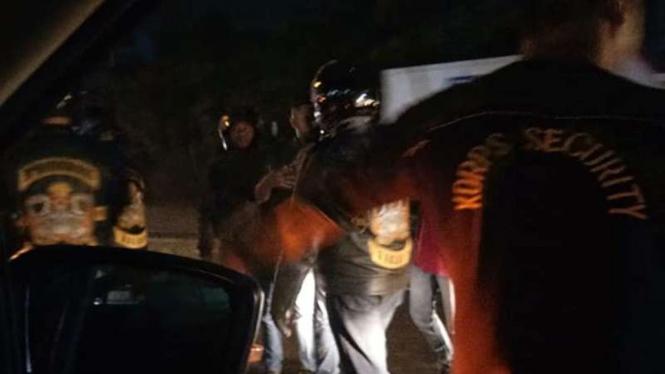 Keributan antara pengemudi Mitsubishi Xpander dan pengendara moge