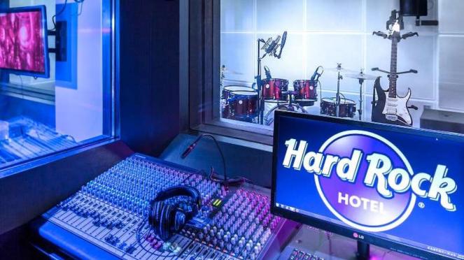 Boombox Recording Studio, Hard Rock Hotel Bali