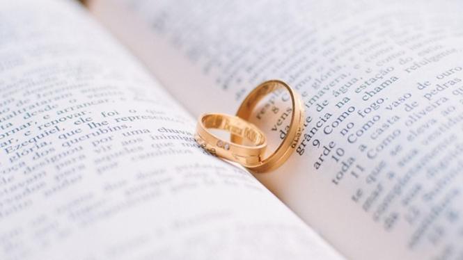 Mahar cincin.