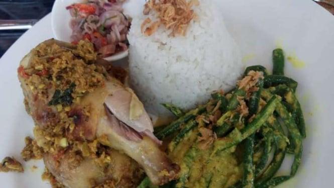 Ayam Betutu khas Bali