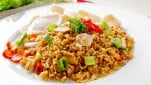 https://thumb.viva.co.id/media/frontend/thumbs3/2018/08/01/5b6149d63381e-nasi-goreng_151_85.jpg