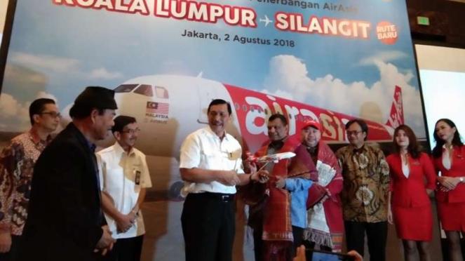 Peluncuran penerbangan AirAsia Kuala Lumpur-Silangit