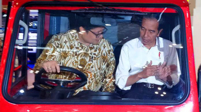 Presiden Jokowi dan Airlangga Hartanto