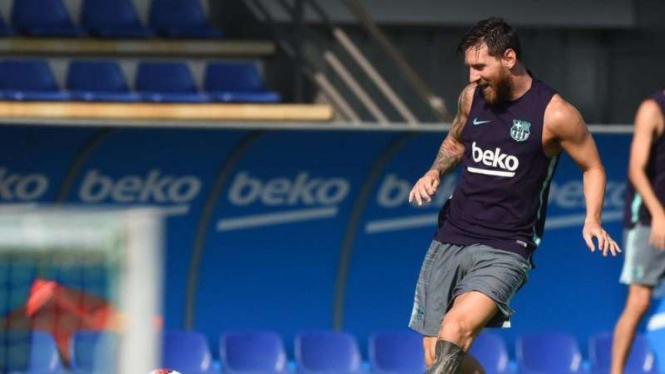 Bek Barcelona: Kalau Messi Sedang Bicara Semua Pemain Harus Mendengar