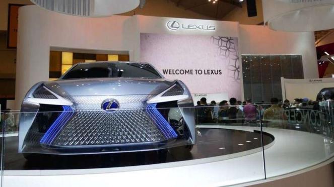 Lexus LS+ Concept di GIIAS 2018.