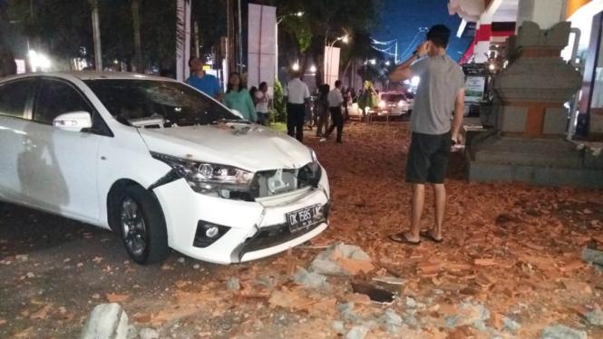 Gempa Lombok berimbas bangunan di Bali rusak.
