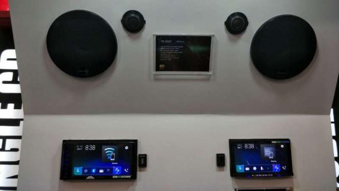 Sistem audio Pioneer AVH-Z9150BT