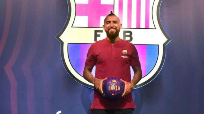 Gelandang Barcelona, Arturo Vidal.