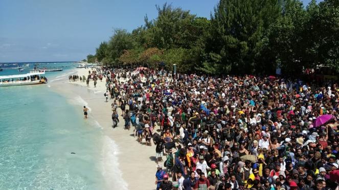 Evakuasi WNA di Gili Trawangan