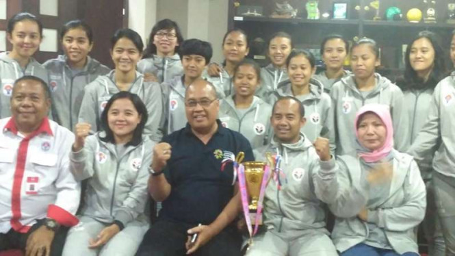 Tim Futsal Putri UPI menyabet gelar juara.