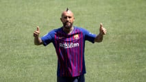https://thumb.viva.co.id/media/frontend/thumbs3/2018/08/07/5b693b4ca7f81-arturo-vidal-gabung-ke-barcelona_213_120.JPG