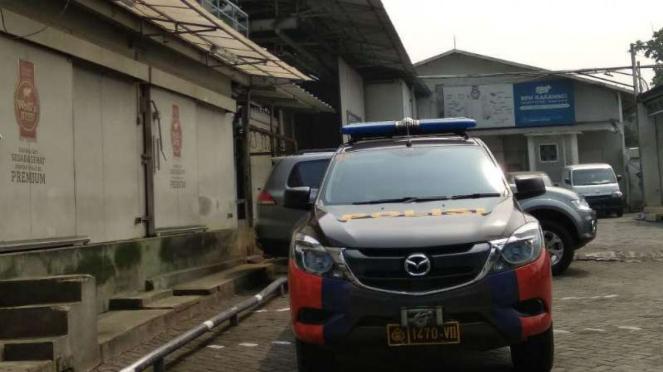 Polisi olah TKP perampokan di RPH Karawaci.