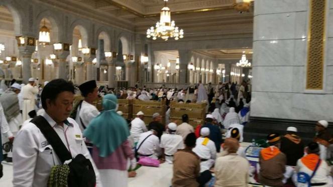 Jemaah haji Indonesia di Masjidil Haram