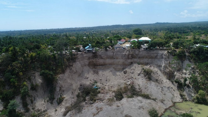 Longsor di Dusun Dompu Indah, Kayangan Lombok Utara