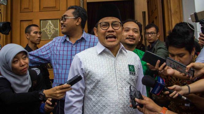 Ketua Umum Partai Kebangkitan Bangsa (PKB), Muhaimin Iskandar (tengah)