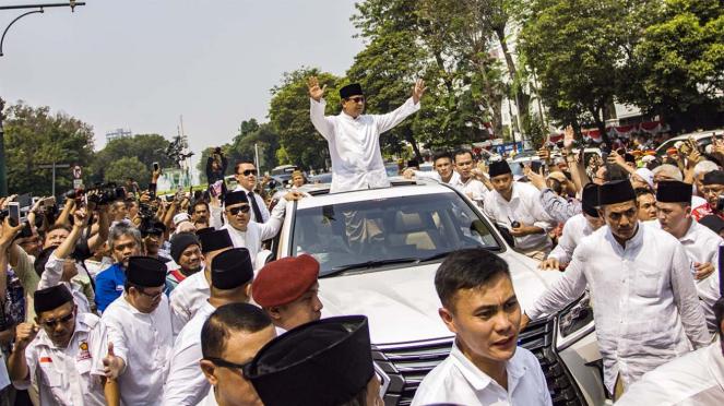 Prabowo - Sandiaga Daftar ke KPU