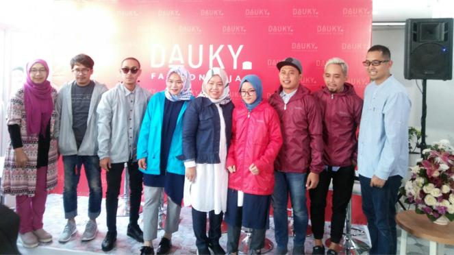 Konferensi pers Dauky Fashion
