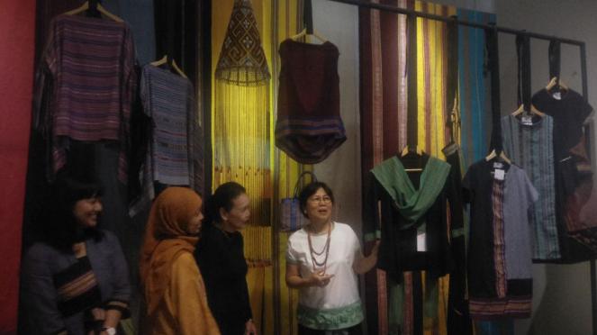 Founder Torajamelo, Dinny Jusuf di Museum Tekstil
