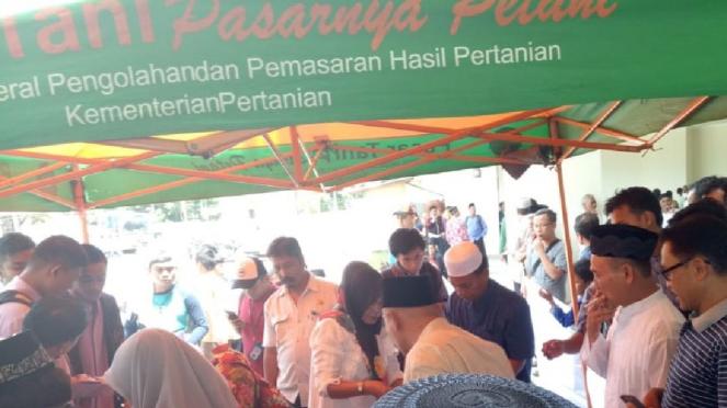 Acara Rujak Bengkuang Rajut Silaturahmi Warga Padang