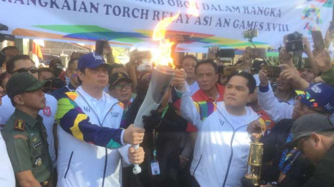 Menteri Perindustrian, Airlangga Hartanto dan Ketua INASGOC, Erick Thohir.