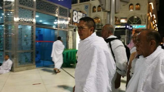 Menteri Agama Lukman Hakim Saifuddin lakukan umrah.