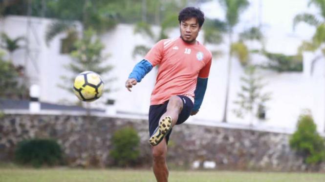 Mantan Bek dan kapten Arema FC, Hamka Hamzah