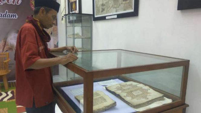 Kitab kuno dalam Pekan Kebudayaan Aceh (PKA) VII di Banda Aceh.
