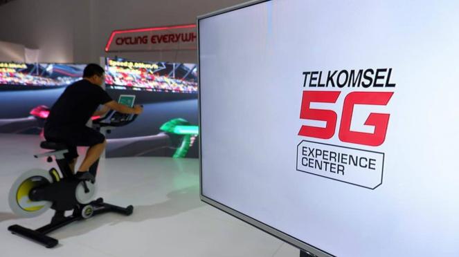 Telkomsel 5G Experience di Gelora Bung karno, Senayan, Jakarta.