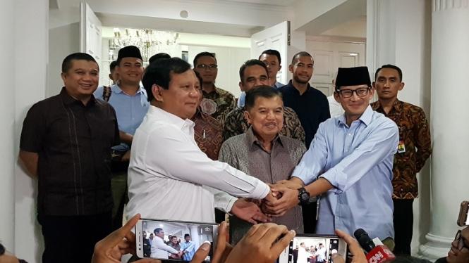 Wakil Presiden Jusuf Kalla bertemu Prabowo-Sandiaga Uno di rumah dinasnya